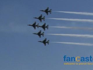 Thunderbirds Deliver Aerial Spectacular Over the Boardwalk
